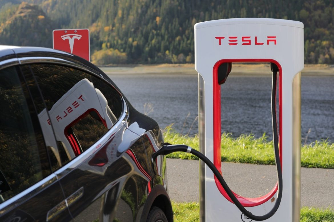 Fill the tank with electric charge – Musk